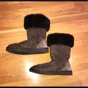 Classic tall brown UGG boots!